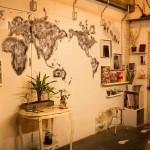壁に世界地図が描かれた美容室なんてこの世に存在しないんじゃないか。